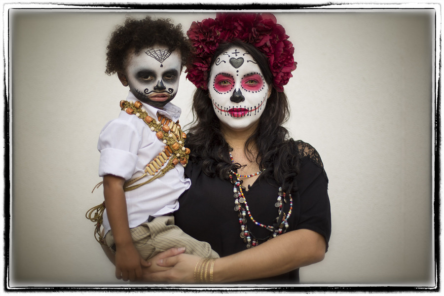 ....it happens to all of us! : The Dia de los Muertos Sessions : Oklahoma City Editorial and Documentary Photographer